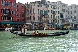 Bucket list idea gondola ride in Venice list bracelets