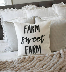 Farm sweet Farm, Farmerhouse Pillow Cover, rustic Pillow Cover, Spring pillow cover, boxwood wreath, green leaf wreath,18x18