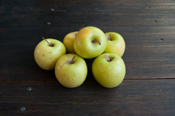 Apple, Golden Delicious (small, biodynamic)