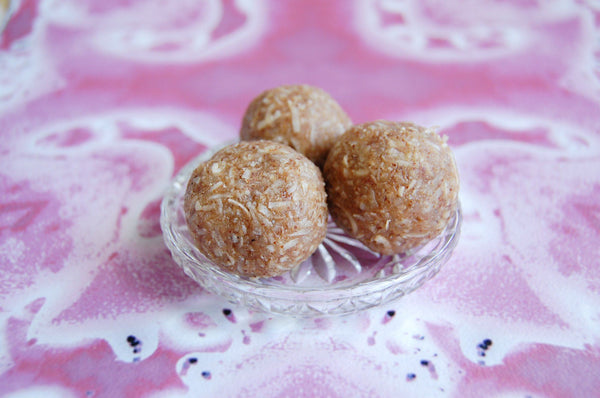 Treats: Almendines, Cardamon & Rosewater (pack of 2)