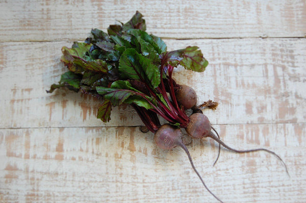 Beetroot, bunch of 3 with leaves