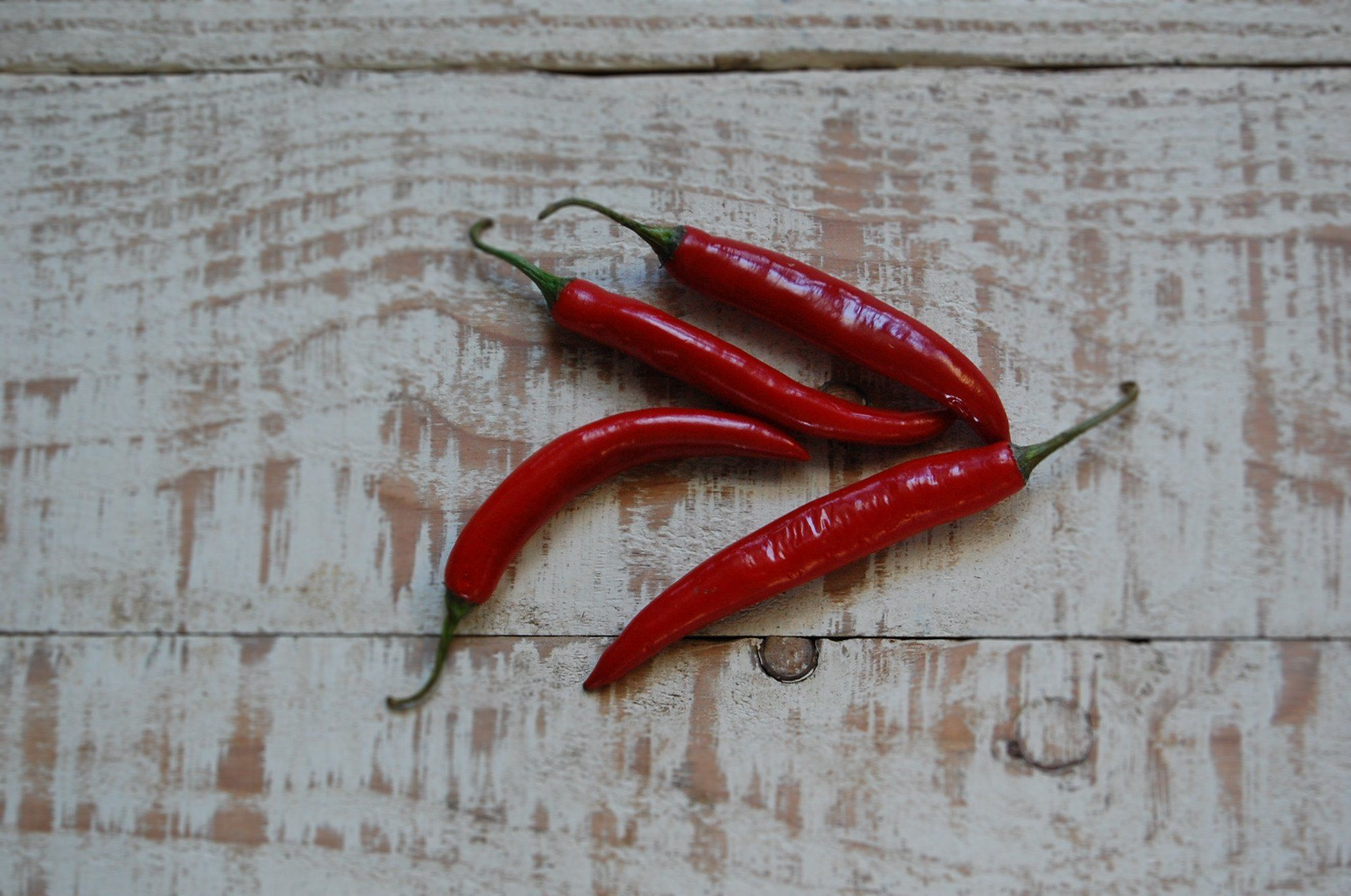 Chillies, Cayenne x 3 (Hot)