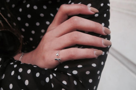 minimalist-jewellery-ball-and-bar-ring