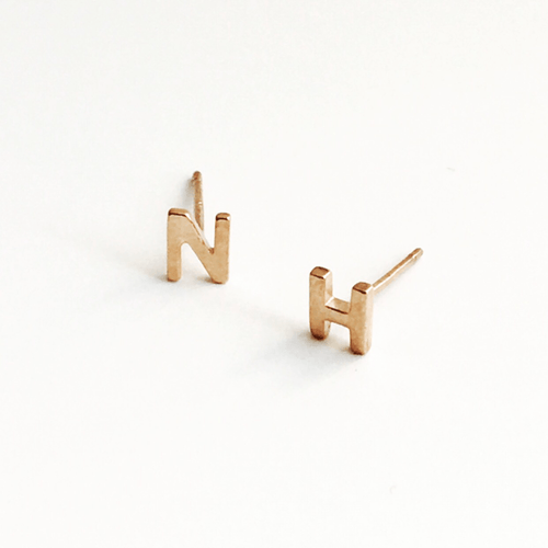 INITIAL EARRING (ROSE GOLD)