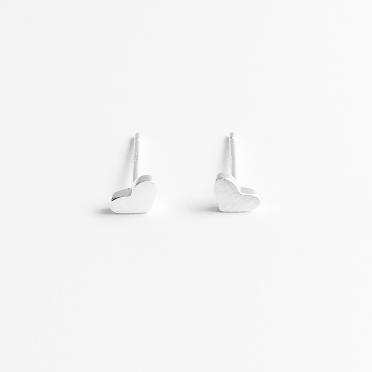 HEART EARRINGS (SILVER)