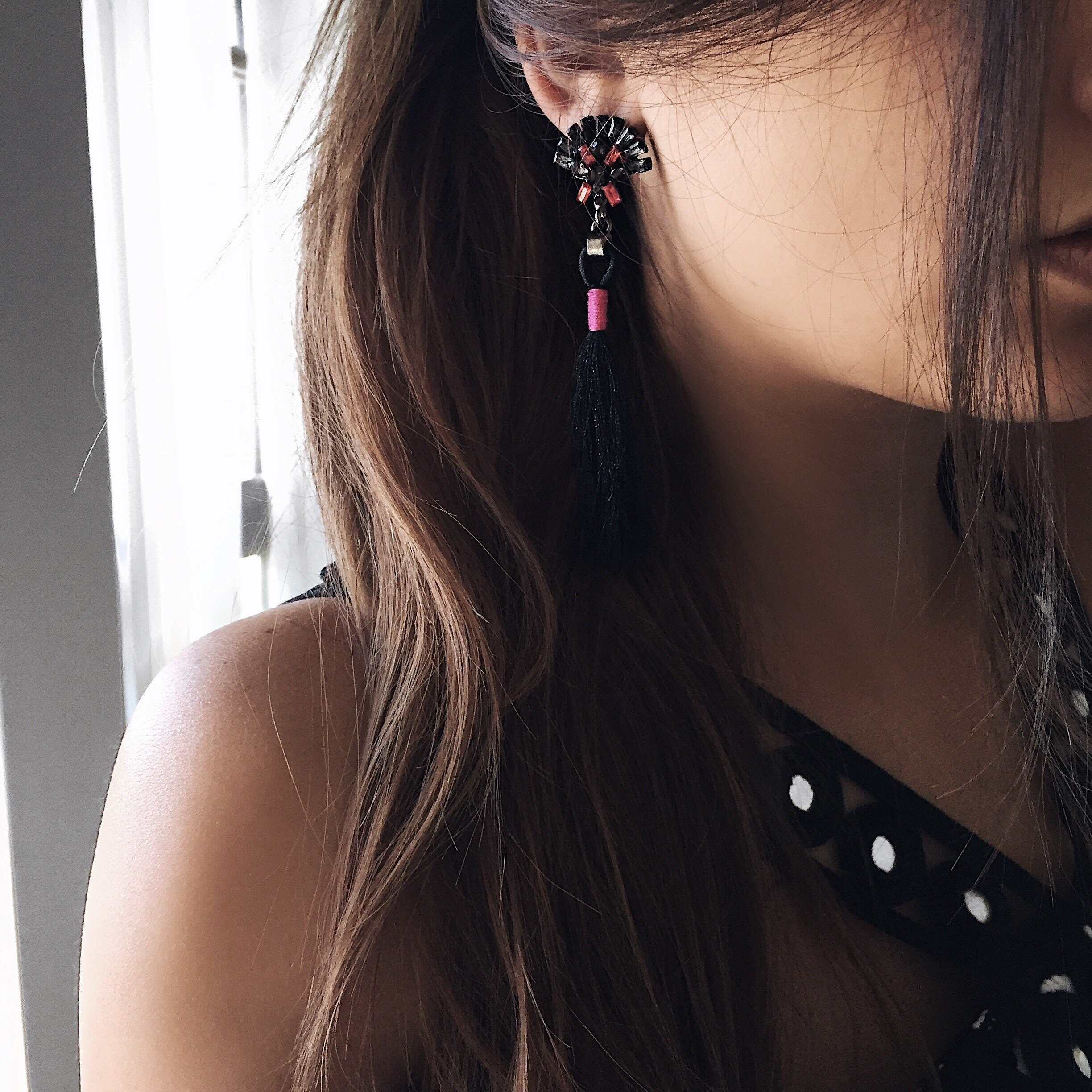 BOHO JEWEL TASSEL EARRINGS (BLACK)