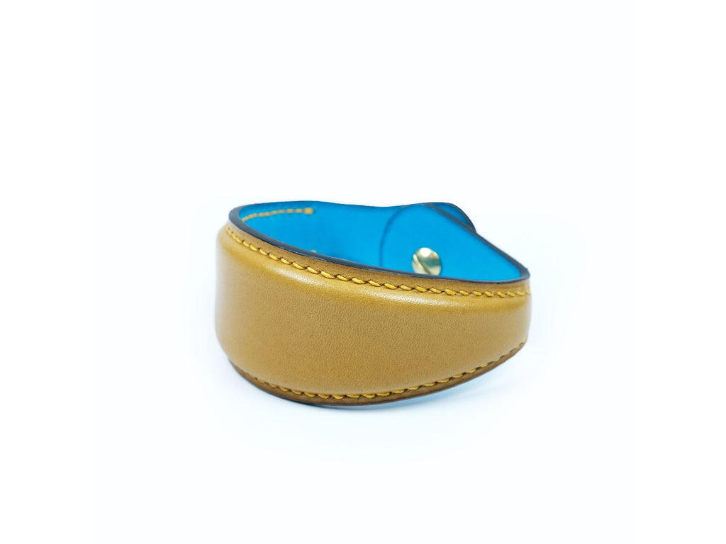 Leather bulger bracelet in yellow hand painted patina