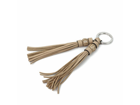 Saigon tassel pearl key ring with beige pebble grain leather