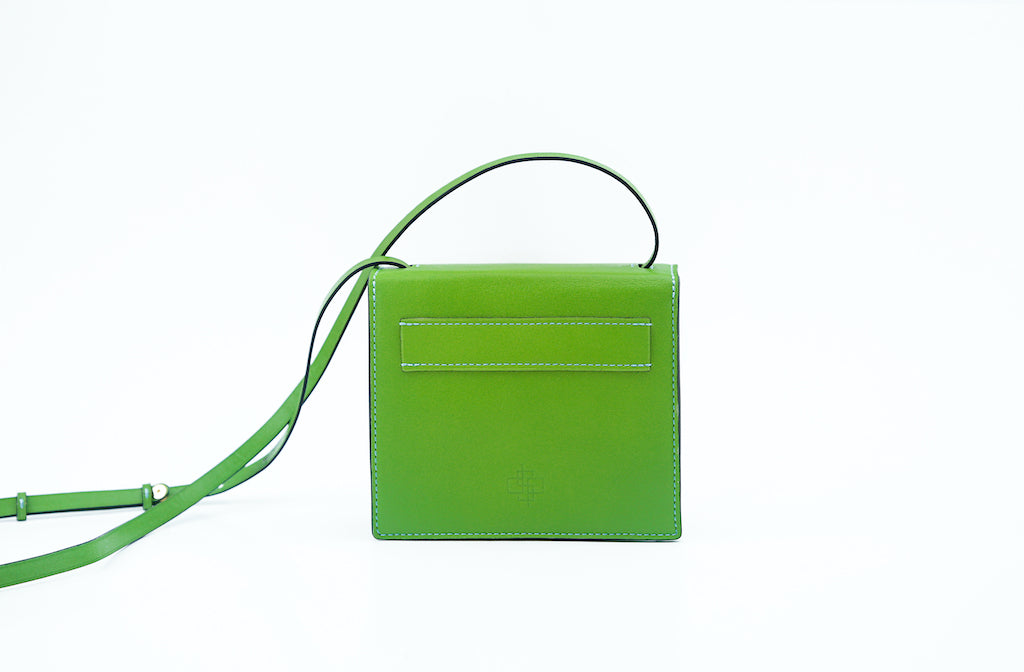 Doris handbag in hand painted leather, green patina
