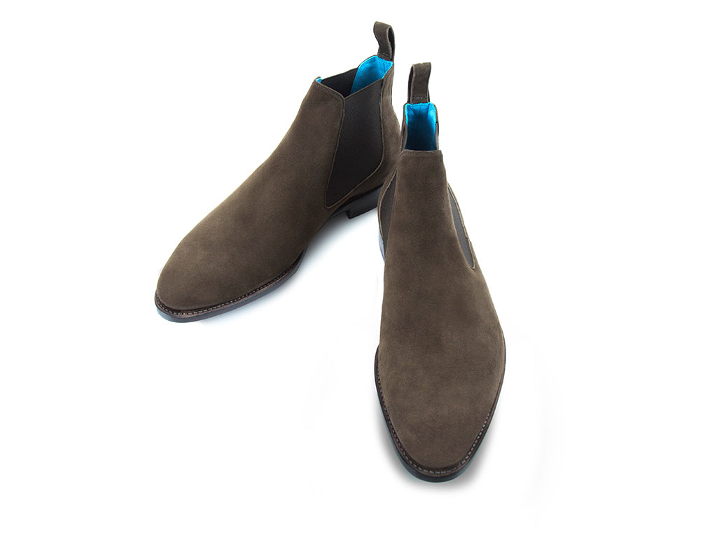 The Gaucho Chelsea boots in dark chocolate suede