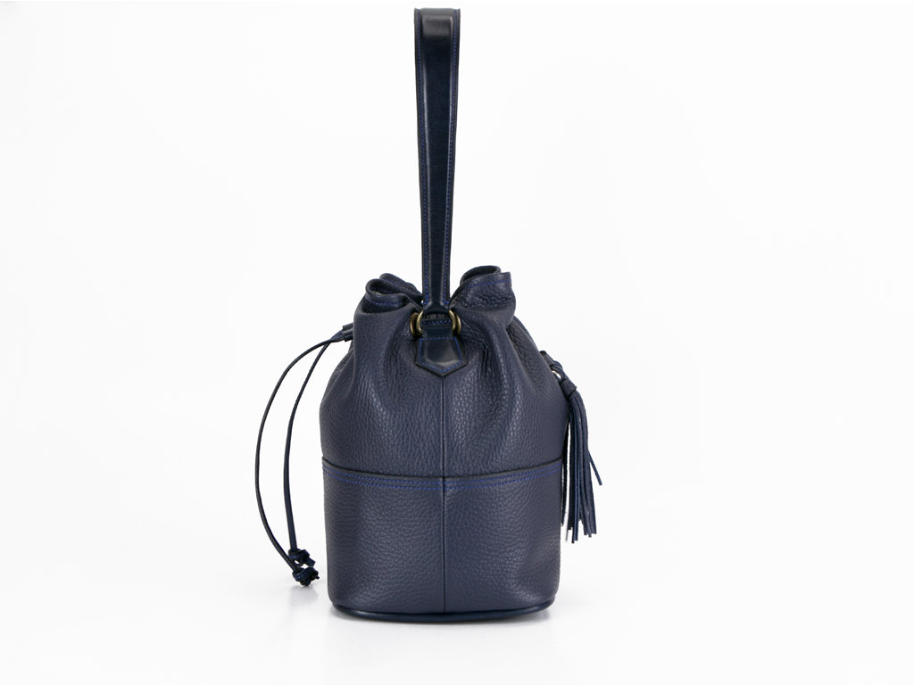 Noel hand bag in midnight blue pebble grain leather