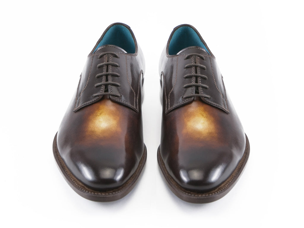 Pert Derby classic shoes in custom made colors