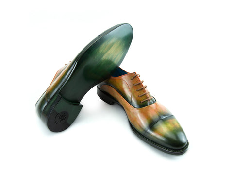Classic Oxford shoes in dark green and orange flame patina
