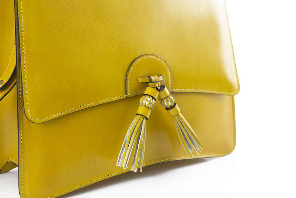 Bertha handbag in hand painted leather yellow patina