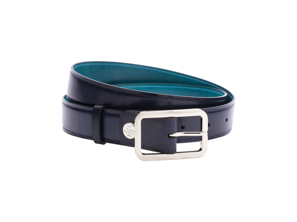 Leather belt with hand coloured patina and our French made custom made buckle in palladium silver. Pictured here in midnight blue hand painted color patina. This is the 3cm width version which is more suitable for dress and smart casual with trousers. Made with Italian crust leather.