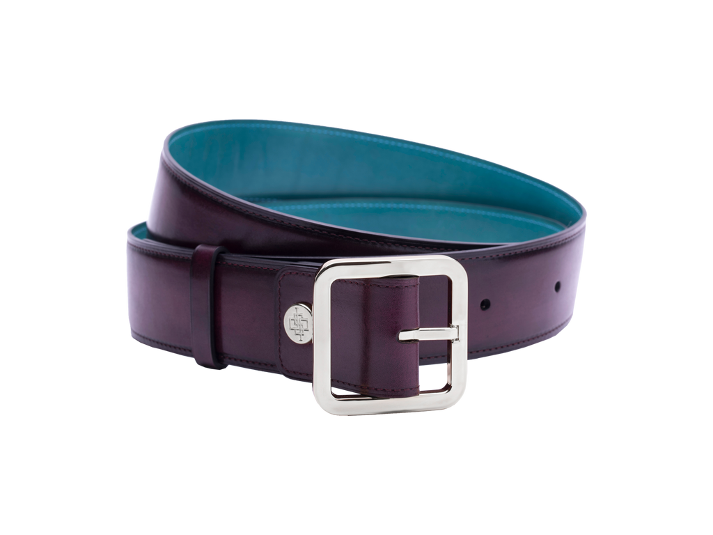 Our artisan made leather belt to wear by both men and women with hand painted coloured patina and French made custom made buckle in palladium (silver). These 4cm width belts are good for jeans and chinos. Italian crust leather and the lining side is real leather. Here shown in purple hand painted hand colored patina.