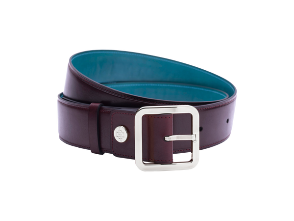Our artisan made leather belt to wear by both men and women with hand painted coloured patina and French made custom made buckle in palladium (silver). These 4cm width belts are good for jeans and chinos. Italian crust leather and the lining side is real leather. Here shown in burgundy hand painted hand colored patina.