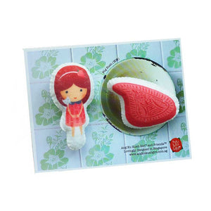 Png Kueh Girl Brooch Set