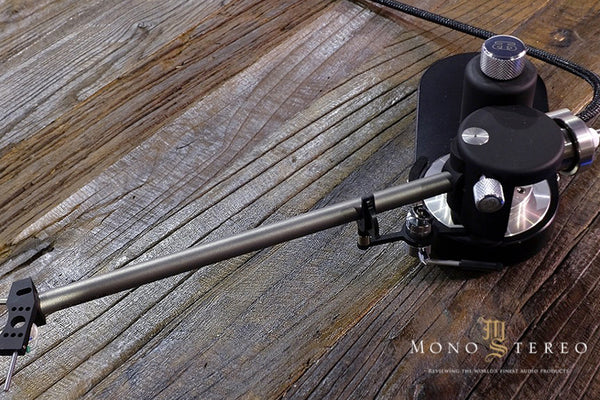 REVIEW : ACOUSTICAL SYSTEMS AQUILAR TONEARM