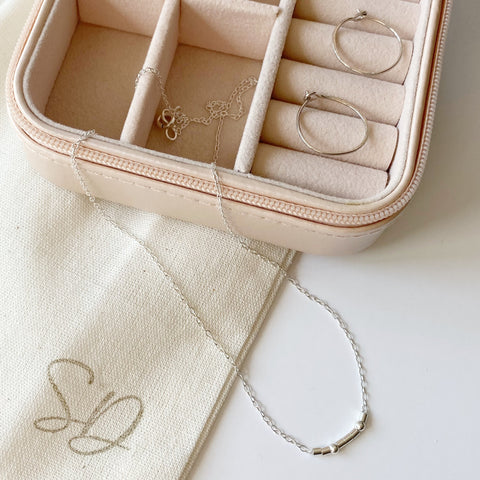 Simple Sparkle Mom Gift Box - jewellery box and express shipping included!