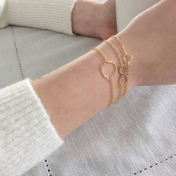 Small Gold Circle Bracelet