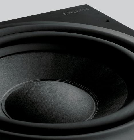 "8"" woofer and 200 W Class D amplifier deliver maximum bass precision"
