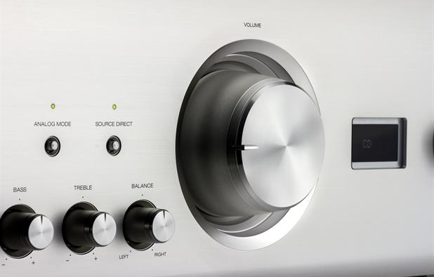 Audio-grade analogue volume control