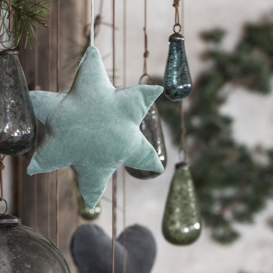 VELVET STAR ORNAMENT