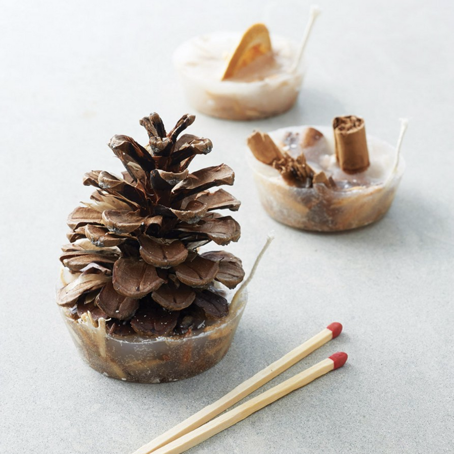 FESTIVE FIRELIGHTERS | BAG OF 8