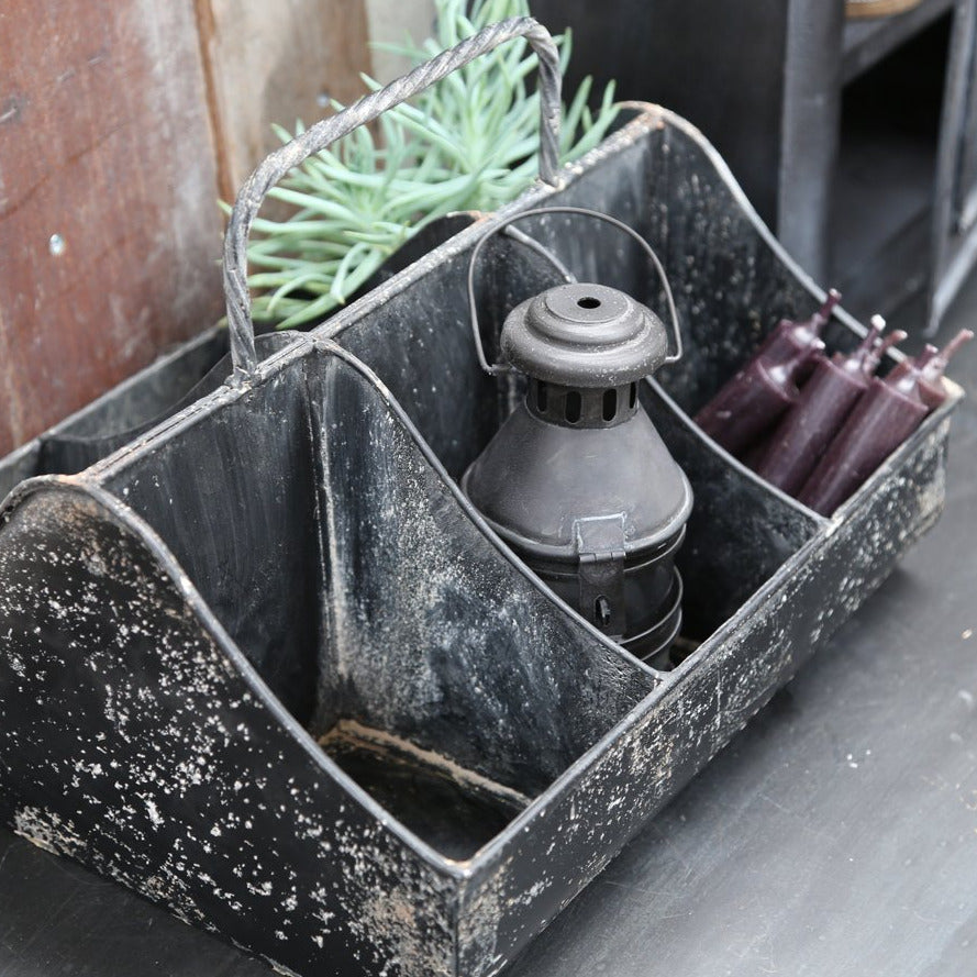 METAL STORAGE BOX WITH COMPARTMENTS