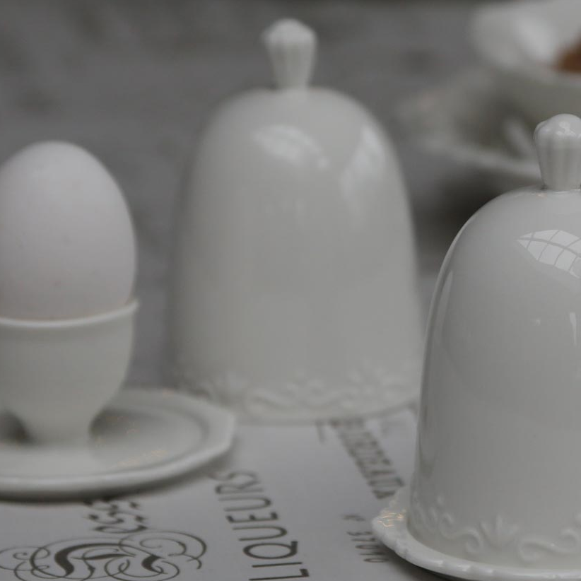 EGG CUP WITH LID