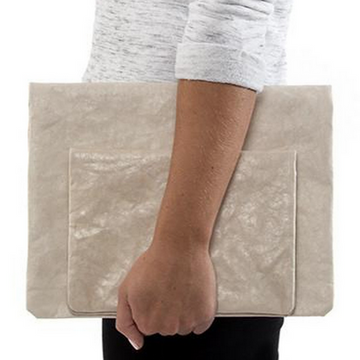 MARU MEDIUM CLUTCH BAG