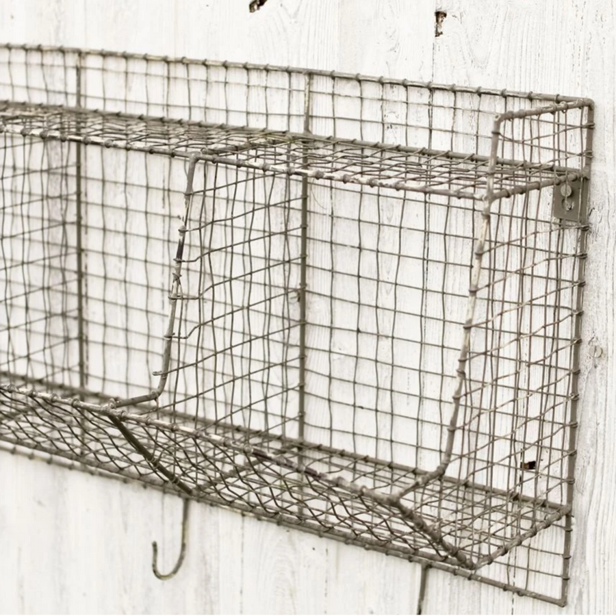 LOCKER ROOM STORAGE SHELF | WIRE