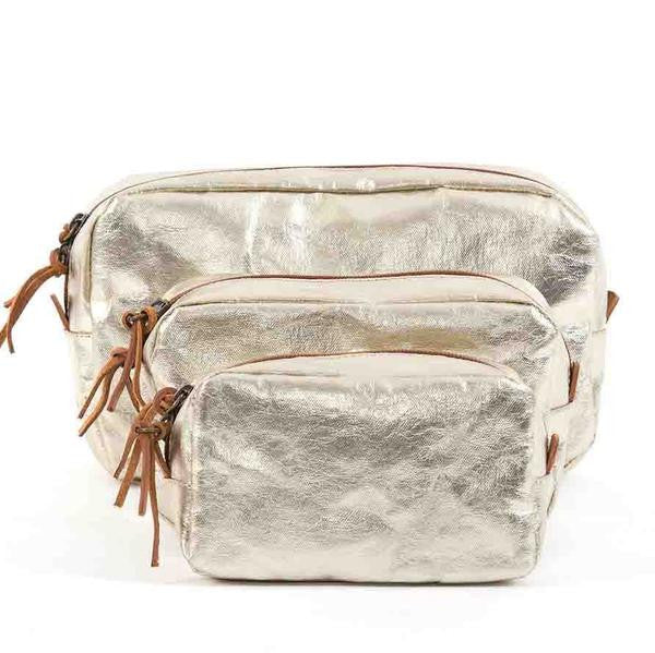 UASHMAMA METALLIC WASHBAG | PLATINUM