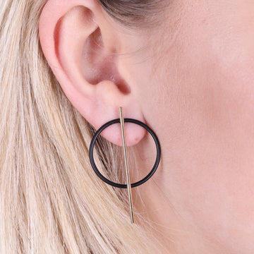 CIRCLE & BAR STUD EARRINGS GOLD | BLACK