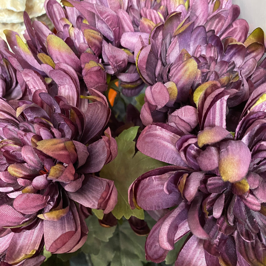 DARK PURPLE CHRYSANTHEMUM