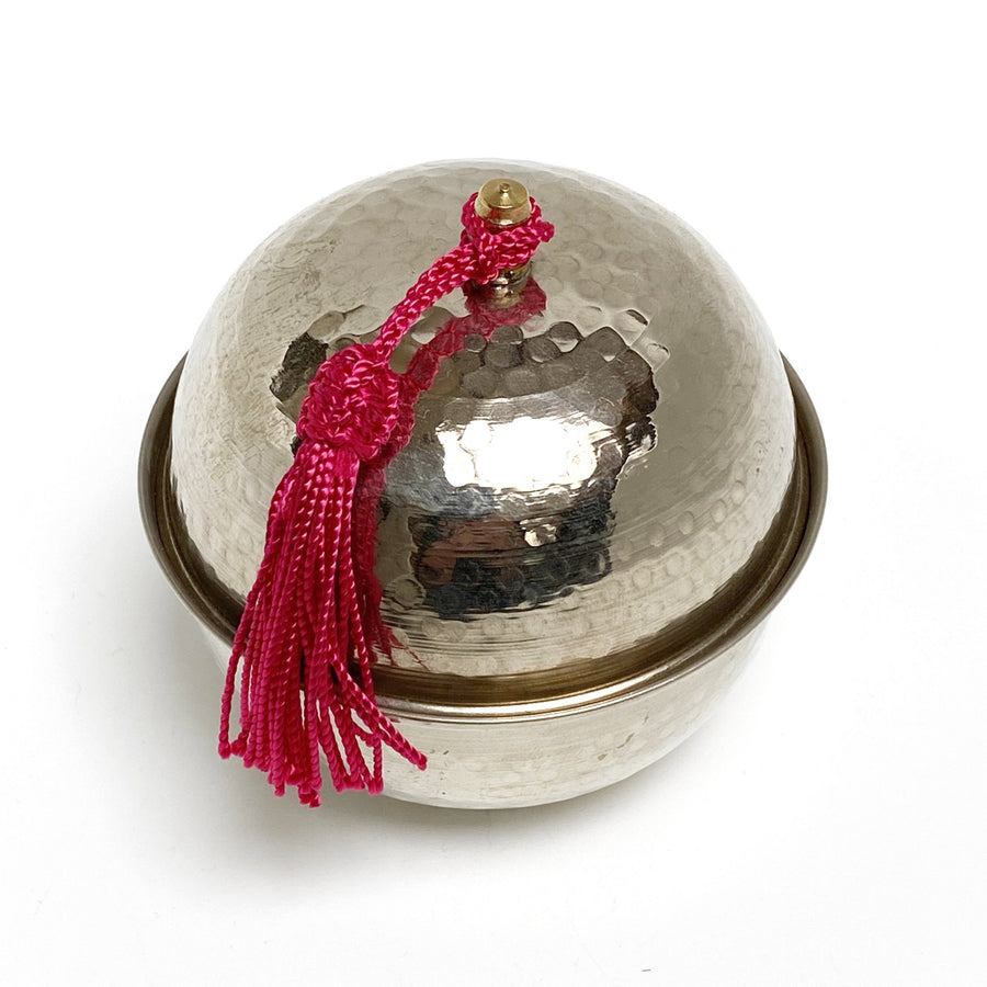 ROUND METAL TIN | TASSEL