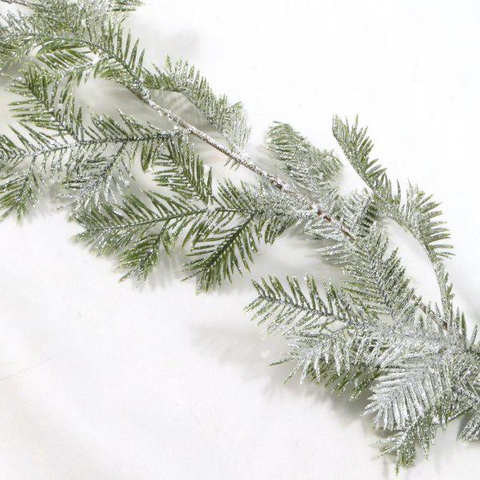 ICED YEW GARLAND