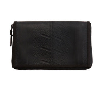RECYCLED RUBBER BLACK TRAVEL WALLET
