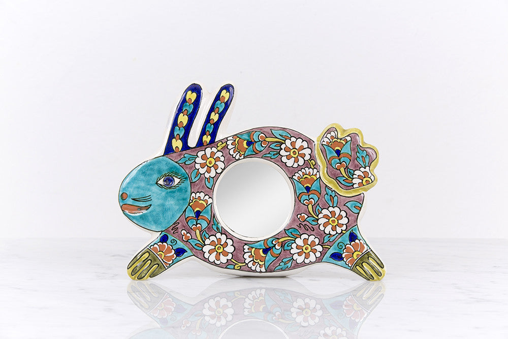 Rabbit with mirror. By Sıtkı Olçar