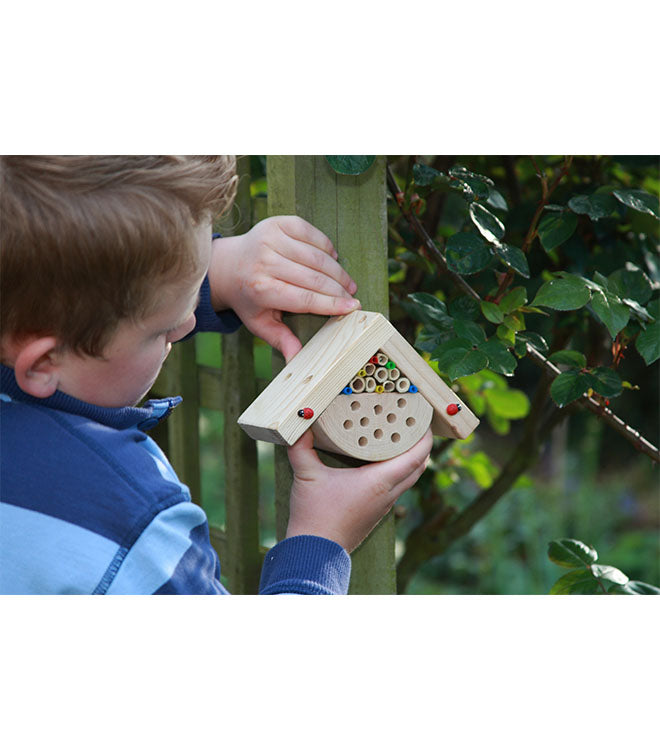 Bobby's minibug box by Wildlife World on a post - Peach Perfect