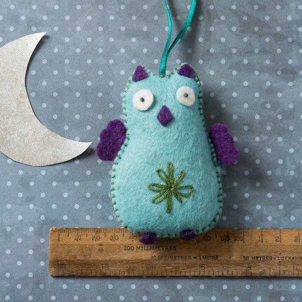Owl felt craft kit by Corinne Lapierre - Peach Perfect