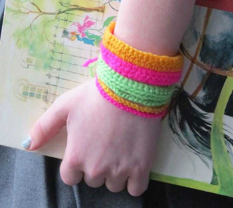 Lan how to crochet - bracelets - Peach Perfect