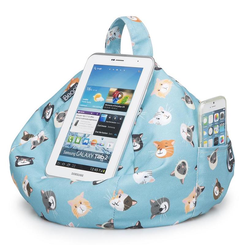 iBeani iPad cushion - cool cats with phone - Peach Perfect