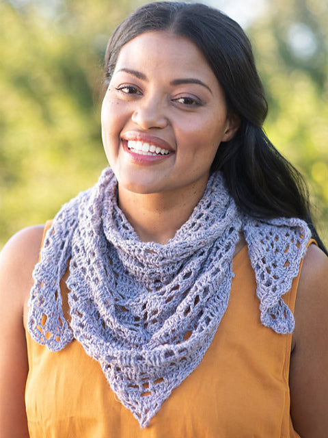 The Amherst shawl in the color Lavender 7919