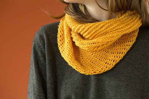 bella cowl in urth yarns harvest worsted