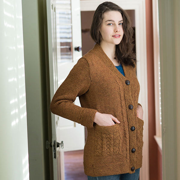 The Diné Cardigan in the color Tiger's Eye Mix 7292