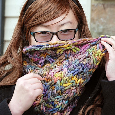Cordiale Cowl Pattern by Heather Zoppetti  - 1