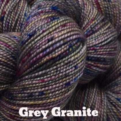 The Yarns of Rhichard Devrieze - Peppino Grey Granite - 31