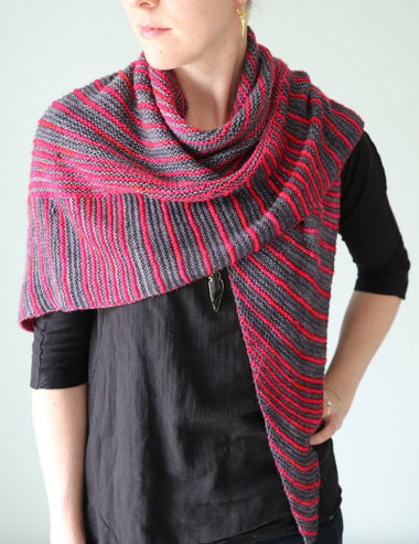 Itineris Shawl Pattern by The Yarniad  - 1